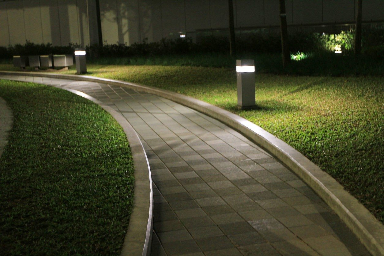 What Tampa Residents Can Do to Maintain Landscape Lighting
